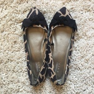 Shoes - Giraffe Pointed Toe Bow Flat 8